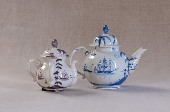 Possett pot in Manganese and Teapot in Blue